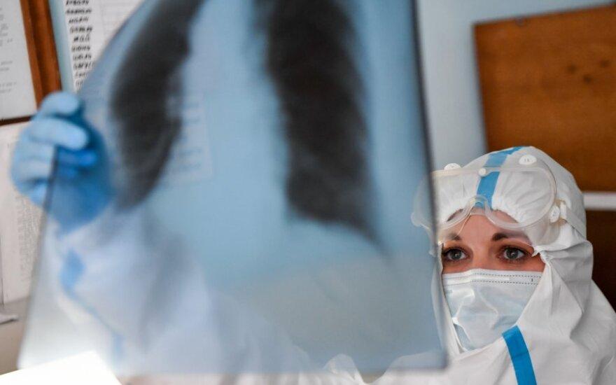 Rusijoje – vėl daugiau nei 10 tūkst. naujų koronaviruso atvejų