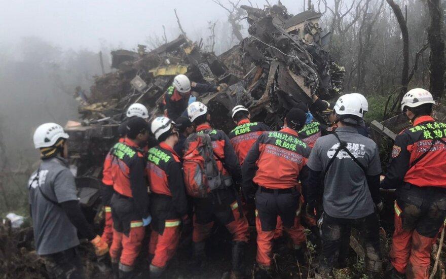 Taivane sudužus sraigtasparniui žuvo generalinio štabo viršininkas ir 7 kiti žmonės