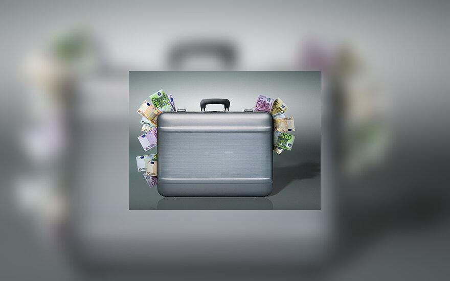 Pinigų prikimštas lagaminas