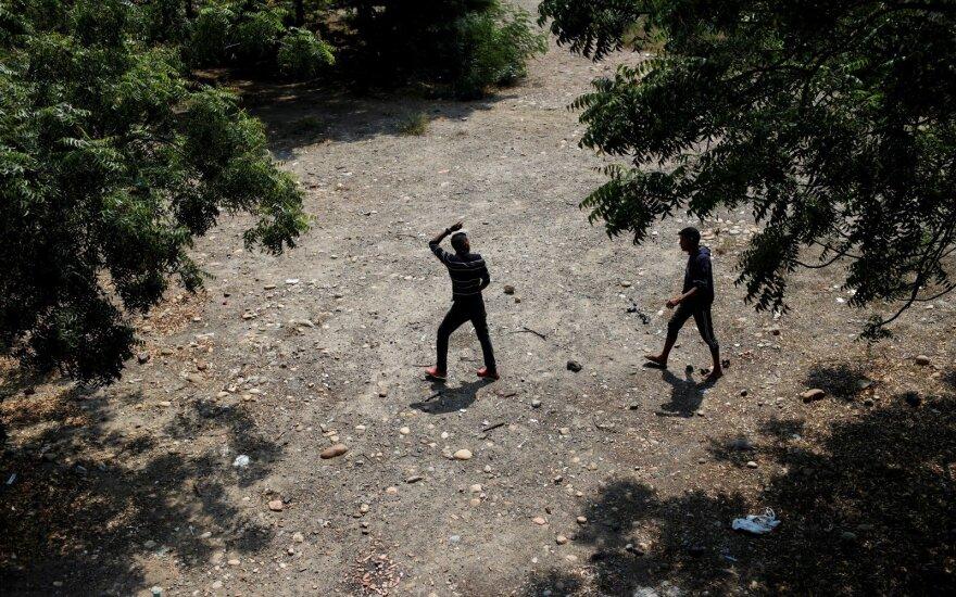 Į Kolumbiją pabėgo trys Venesuelos nacionalinės gvardijos kariai