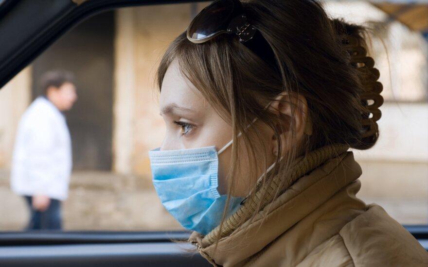 Veryga apribojo ir respiratorių bei vienkartinių pirštinių pardavimą