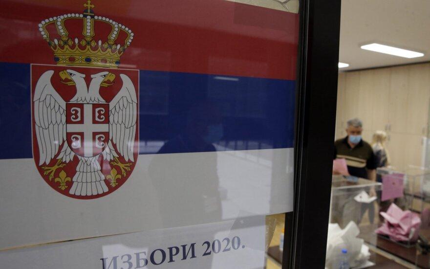 Serbijoje vyksta parlamento rinkimai