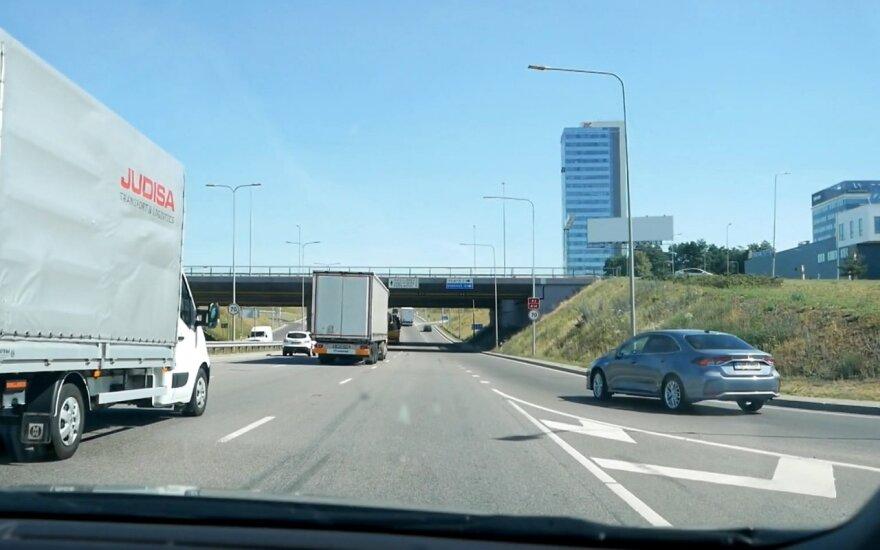 Greitėjimo ir lėtėjimo juosta Vilniuje