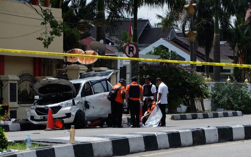 Indonezijoje per ataką prieš policijos nuovadą žuvo pareigūnas, nukauti keturi užpuolikai