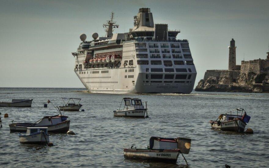 Iš kruizinio laivo iškritusios mažylės šeima pateikė savo versiją