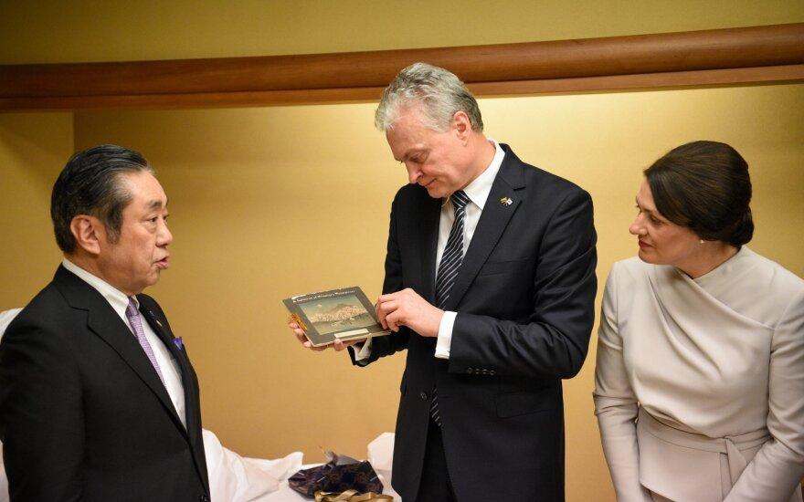 Nausėda ir pirmoji ponia susitiko su Japonijos garbės konsulais ir ambasadoriais