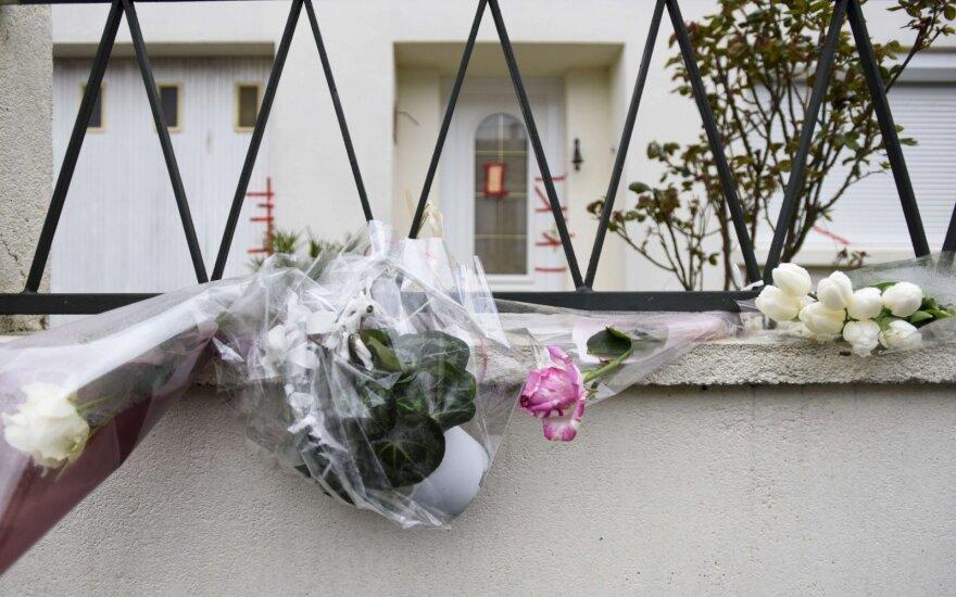 Gėlės prie Troadec šeimos namo