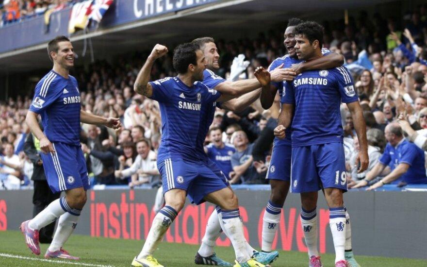 """""""Chelsea"""" futbolininkai džiaugiasi įvarčiu"""