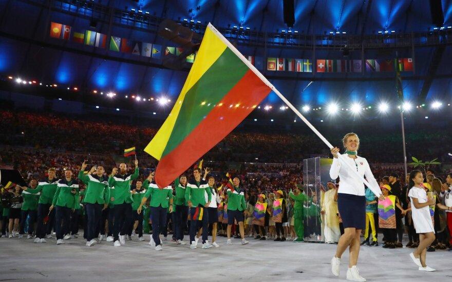 Lietuvos olimpinė rinktinė su vėliavneše Gintare Scheidt 2016 metų Rio de Žaneiro olimpinių žaidynių atidaryme