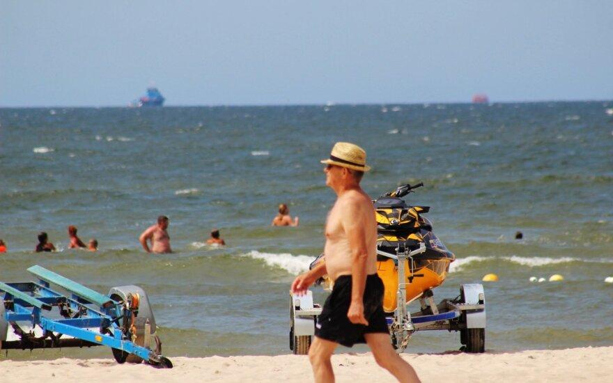 Lietuvą skalbiant lietui Palanga džiaugėsi vasarišku oru