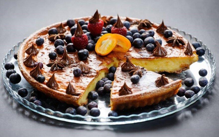 Velykinis varškės pudingo pyragas