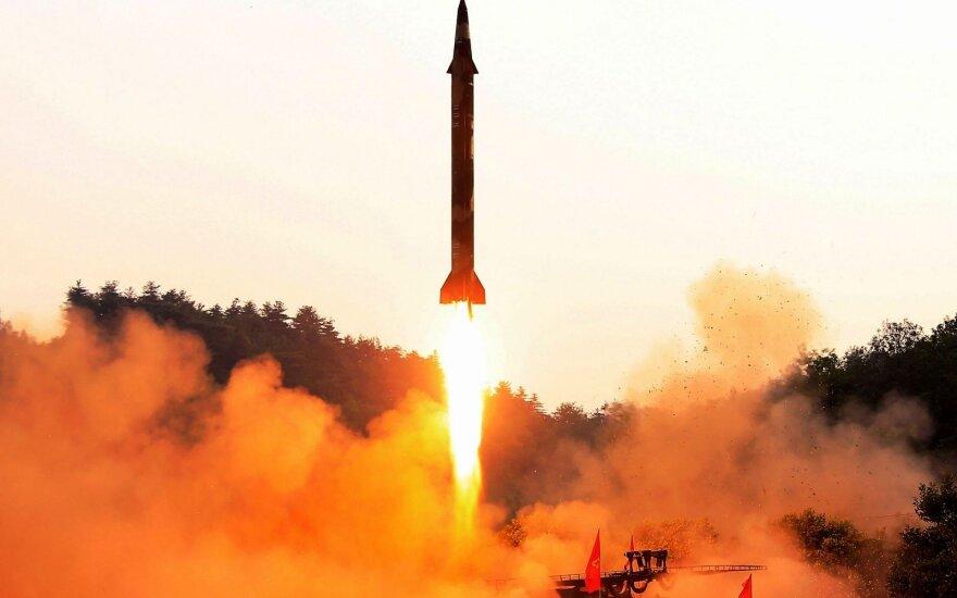 Pompeo: JAV bus pasirengusios deryboms, kai bus aišku, kad Šiaurės Korėja denuklearizuosis