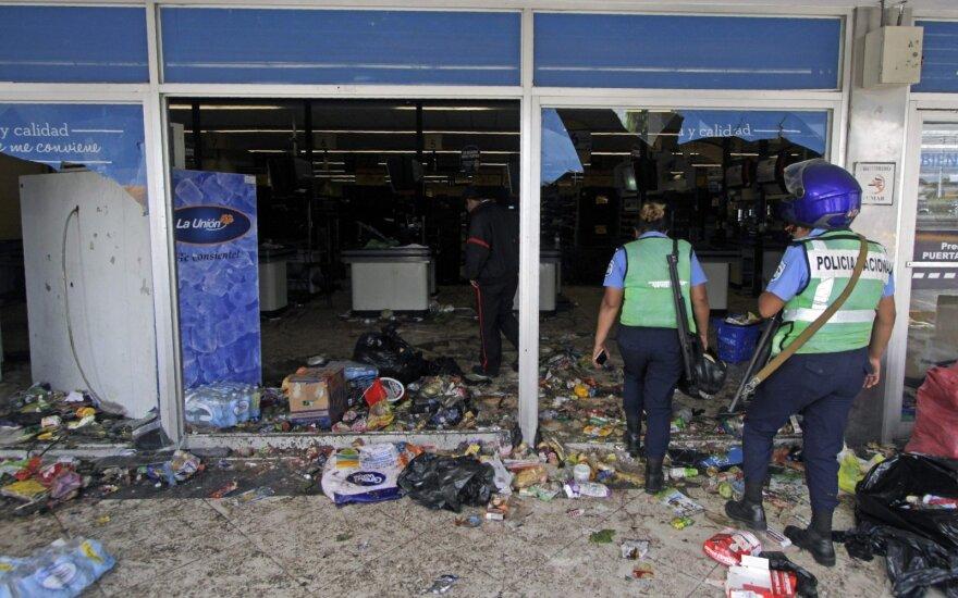 Nikaragva atšaukė pensijų reformą, kad sustabdytų kruvinus protestus