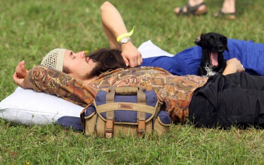 """Vasaros festivaliai su DELFI: į Rumšiškes kvietė tradicinis festivalis """"Margos pievos"""""""