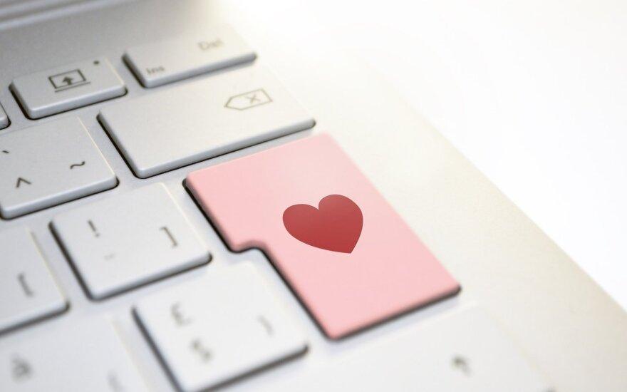 Internete meilės ieškančių vienišių gali laukti ir nemalonios staigmenos