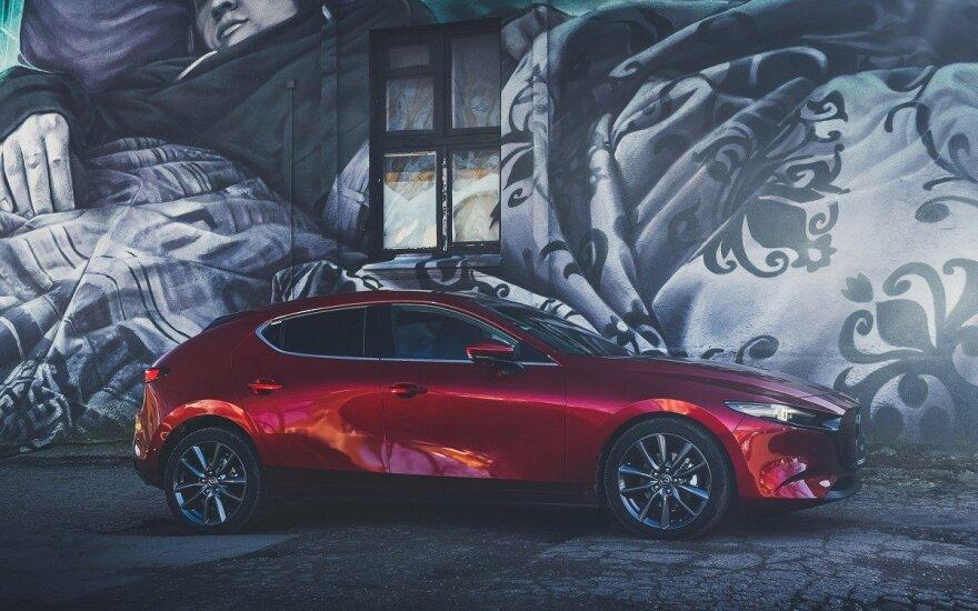 """""""Mazda 3"""" pelnė pagrindinį """"RED Dot"""" dizaino prizą"""