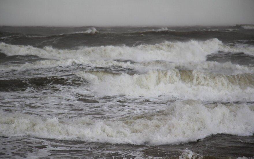 Lietuvą talžys smarkus vėjas ir lietus – oras subjurs jau netrukus