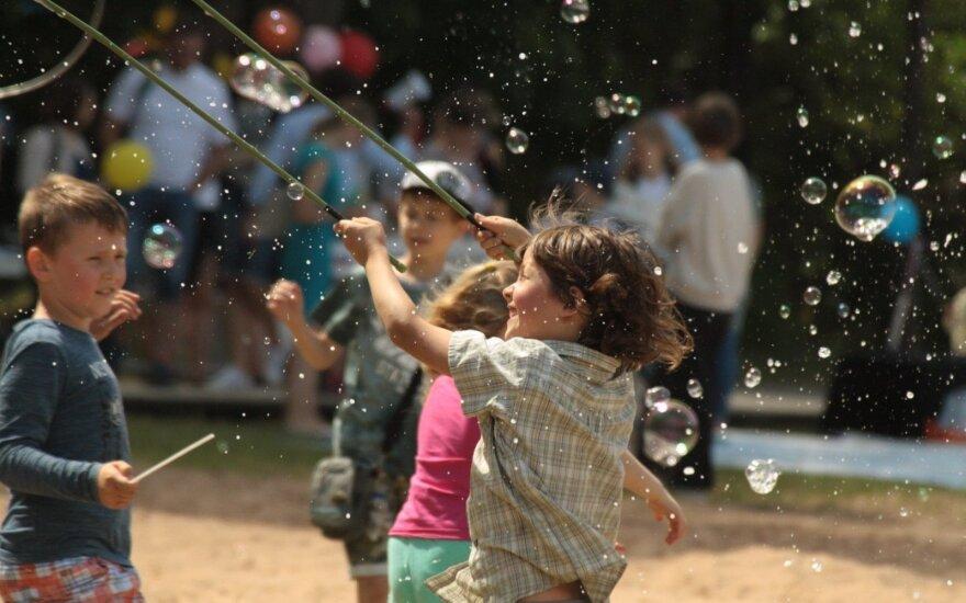 """Metų festivalis vaikams """"Nuotykiai tęsiasi!"""" sugrįžta su virtualia realybe ir garsiais atlikėjais"""