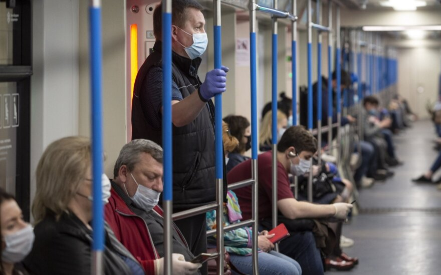 Rusijoje koronavirusu užsikrėtusių žmonių skaičius peržengė 545 tūkst.