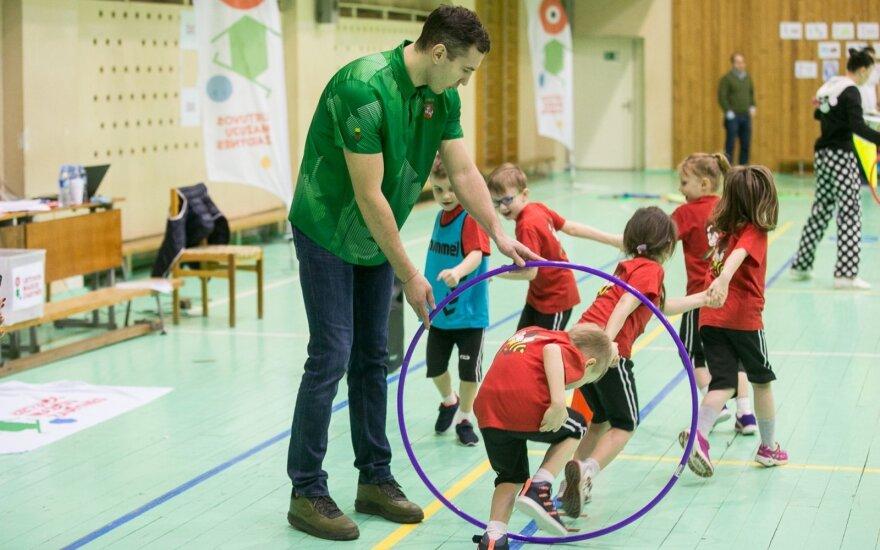 Tadas Tamašauskas sportuoja su penkiamečiais