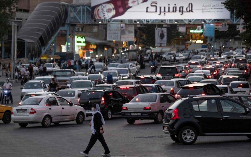 Iranas kalba apie prasidėjusią penktąją pandemijos bangą