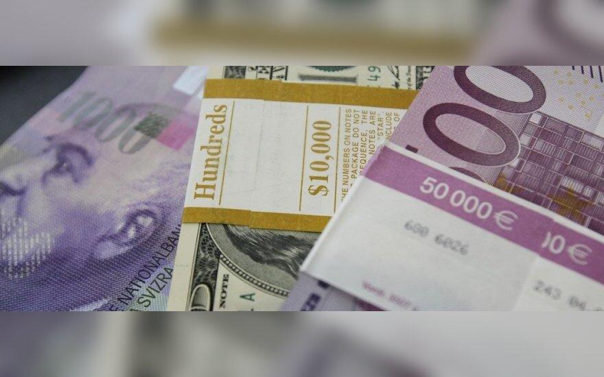 Euras gąsdina taupiuosius: kokia valiuta saugoti santaupas?
