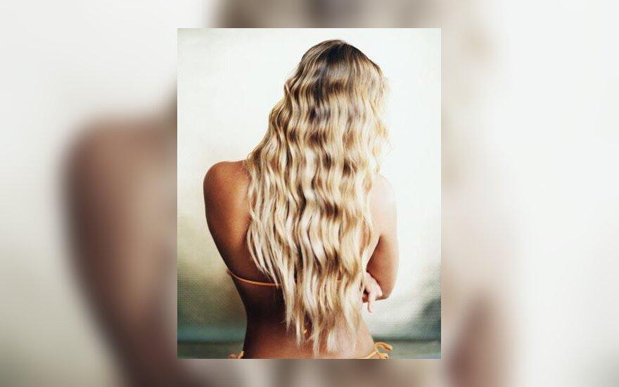 Ilgaplaukė blondinė