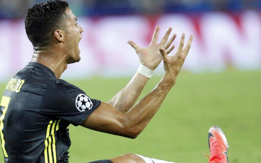 Cristiano Ronaldo pirmose UEFA Čempionų lygos rungtynėse išvarytas iš aikštės