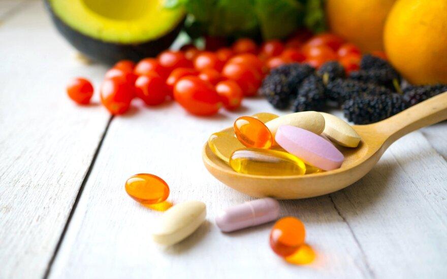 Pasirūpinkite savo sveikata: svarbiausi vitaminai moterims skirtingais gyvenimo etapais