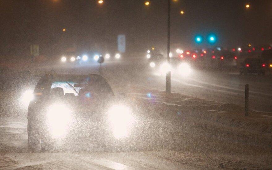 Link Lietuvos keliauja pavojingas ciklonas – kils pūgos, siautės galingas vėjas, stipriai atšals