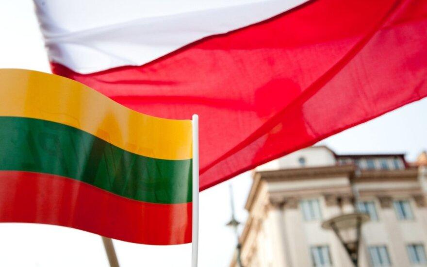 Apklausa: Lenkiją draugiška šalimi laiko daugiau nei pusė lietuvių