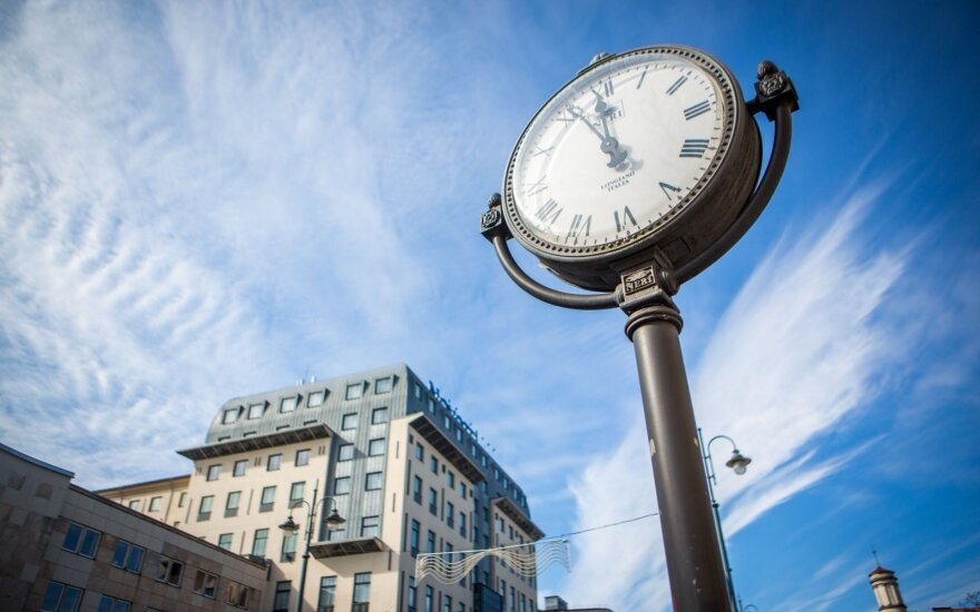 Lithuania to change clocks for last time next spring - minister