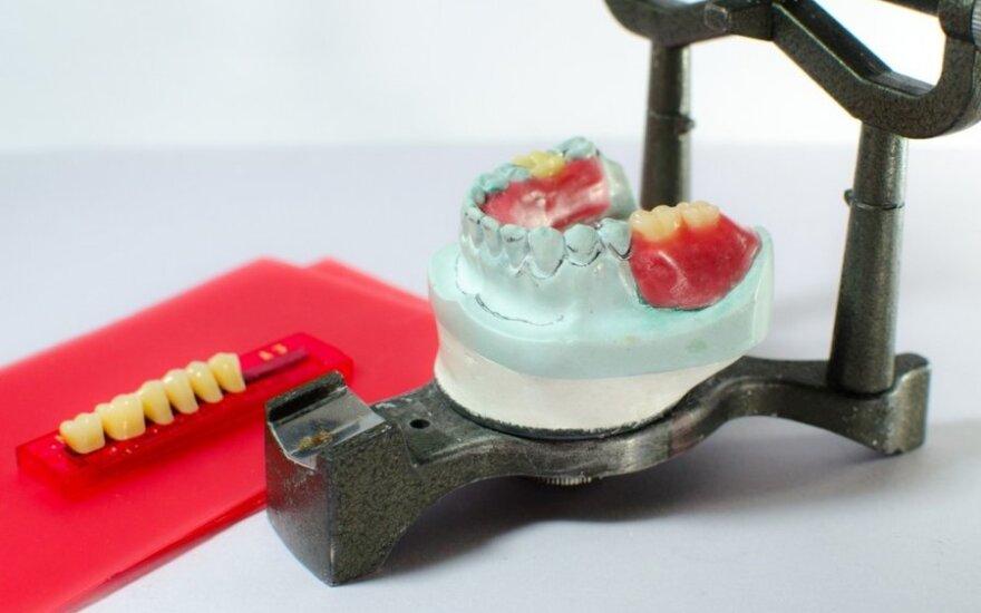 Ar iš tiesų šiandien vis dar reikia bijoti dantų protezavimo?