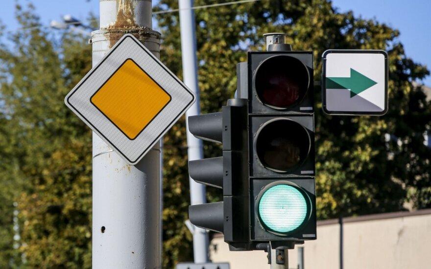 Egzaminų klausimai: kur dažniausiai klysta būsimieji vairuotojai?