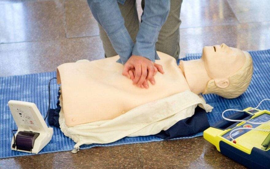 Pirmosios pagalbos pamokėlė: ką daryti anafilaksinio šoko metu?