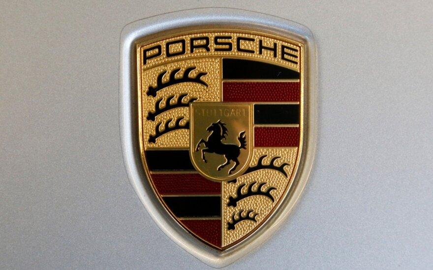 """Vokietijos policija suėmė aukštą """"Porsche"""" vadovą"""