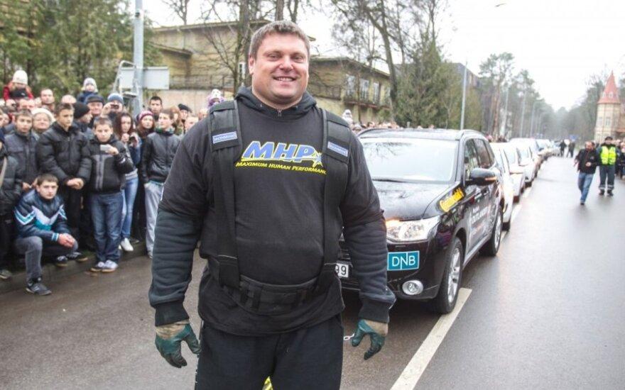 Automobilius tempsiantis stipruolis Ž. Savickas sieks GUINNESS WORLD RECORDS titulo