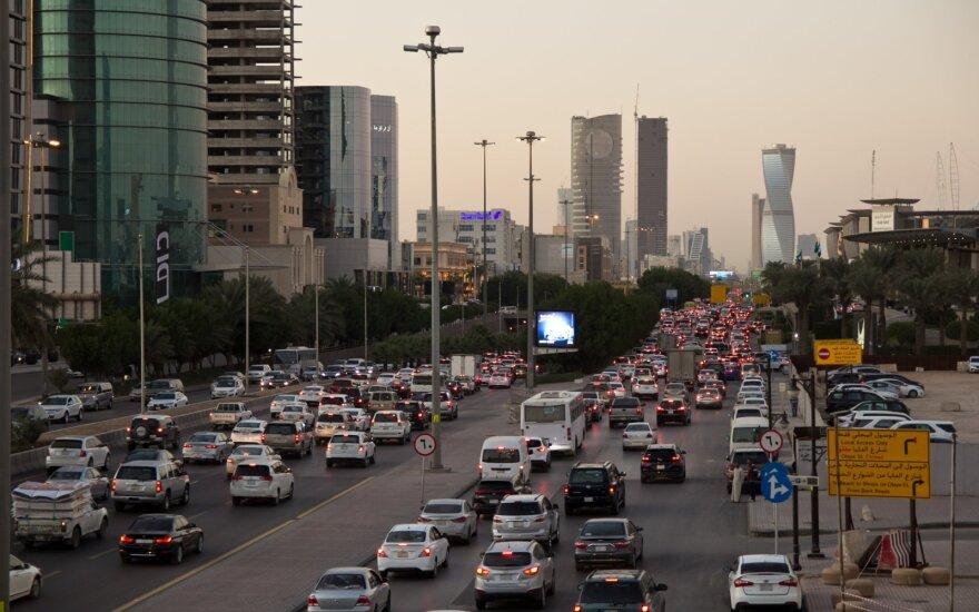 Derybos su Saudo Arabija dėl krizės sprendimo įstrigo