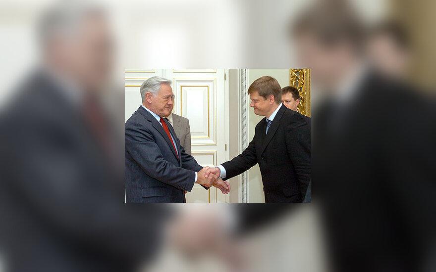 Prezidentas Valdas Adamkus ir aplinkos ministras Arūnas Kundrotas