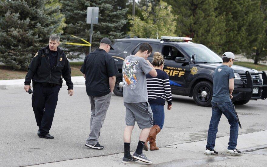 Kolorade per šaudymą mokykloje žuvo moksleivis, dar keli sužeisti