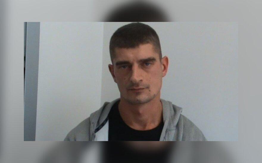 Sulaikytas įtariamasis, peršovęs taksi vairuotoją