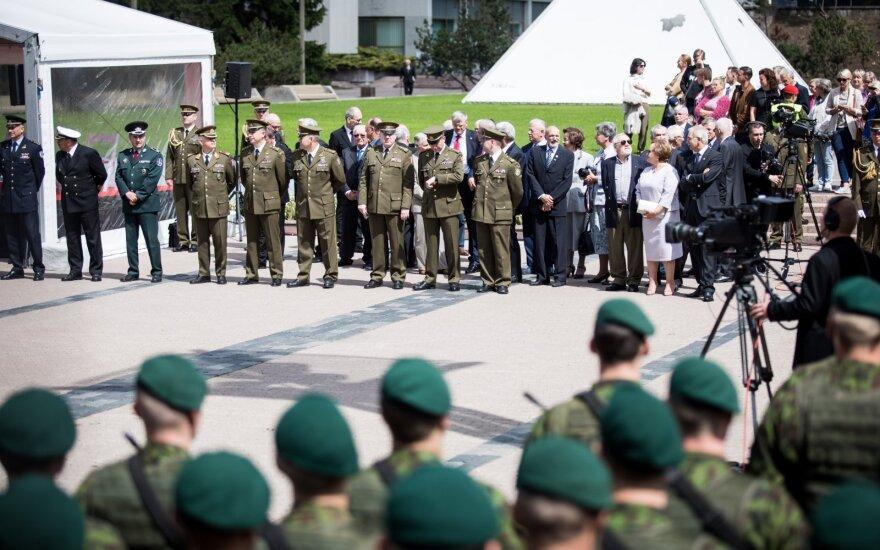 Nausėdos inauguracijos ceremoniją tęsia šventinė eisena