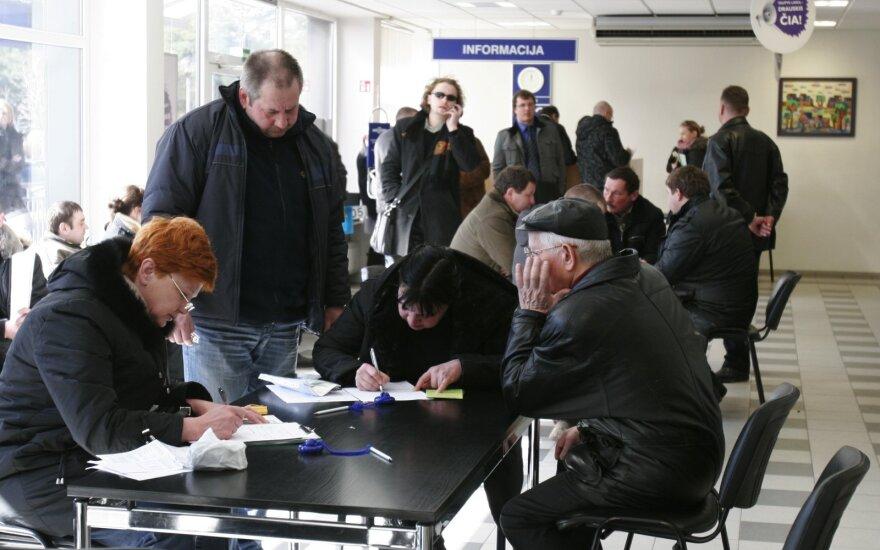 Naudotų automobilių pardavėjai neįvertina dokumentų svarbos, tačiau dėl to sunerimti turėtų ir pirkėjai