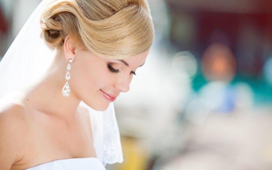 Jaunos poros vestuvių šventė moterį privertė pagalvoti: koks gyvenimas iš tikrųjų laukia nuotakos?