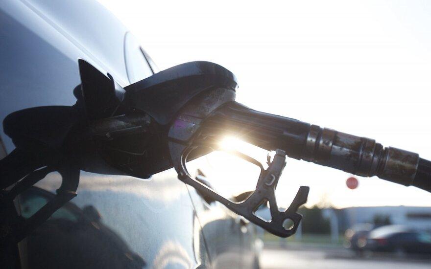 Degalų kainos Lietuvoje išlieka mažiausios