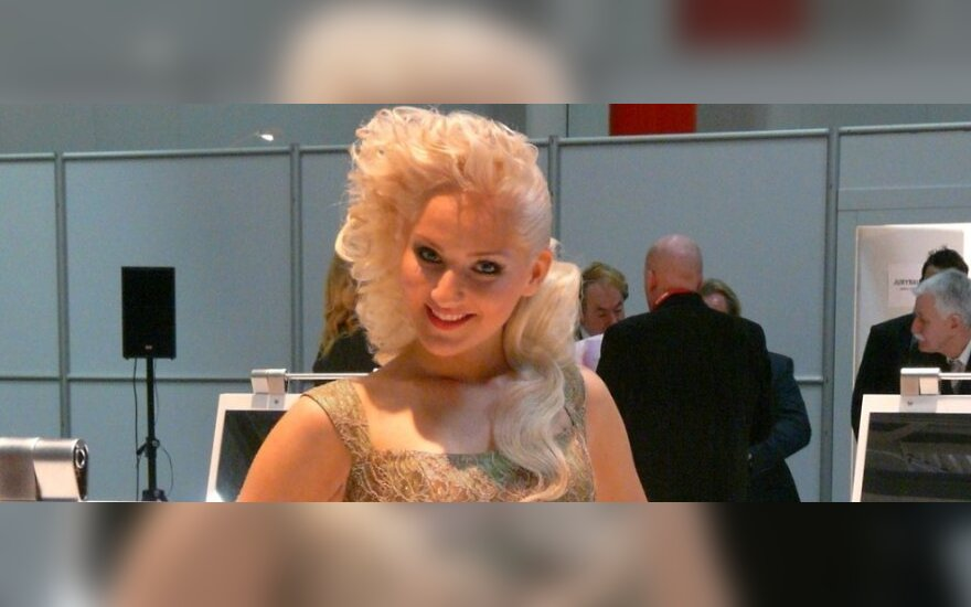 R.Sakalausko sukurta dieninė šukuosena