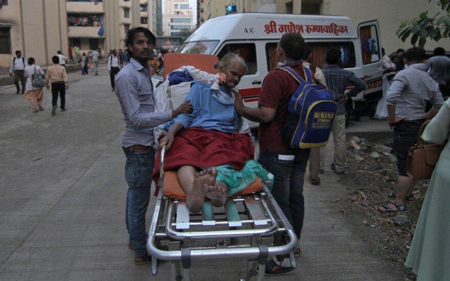 Dėl gaisro evakuojama Mumbajaus ligoninė