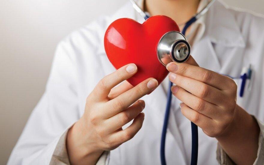 Kardiologai paneigia 10 mitų apie širdį ir didžiausius pavojus jai