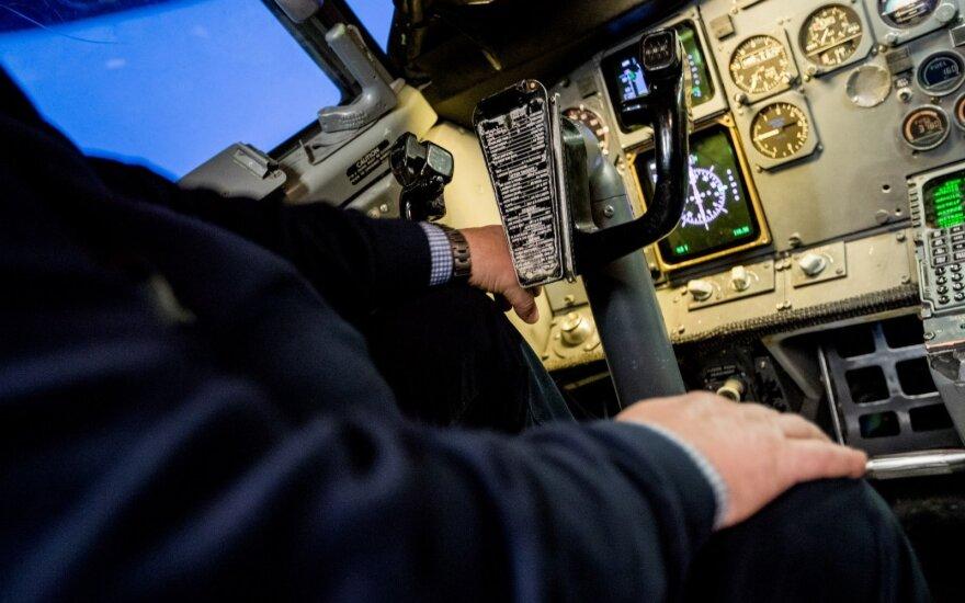 Girtas lėktuvo pilotas ruošėsi skraidinti žmones