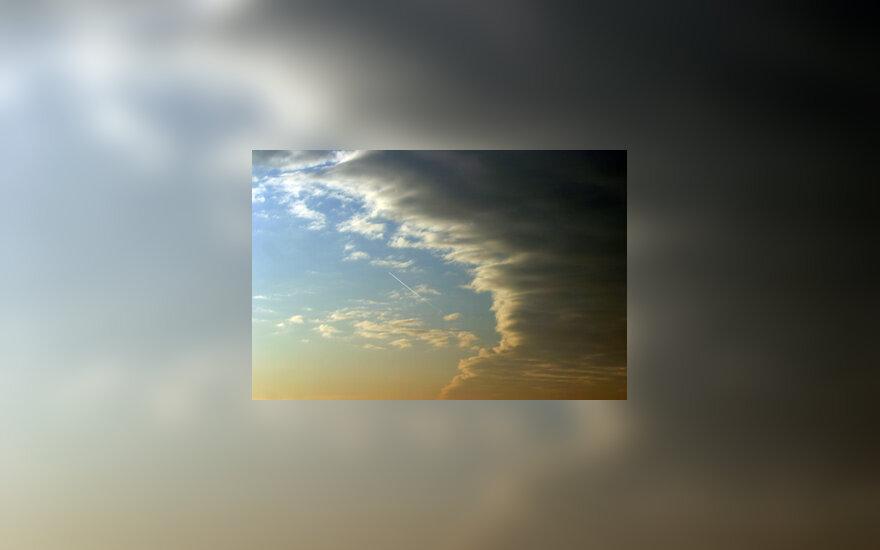 Dangus, debesys